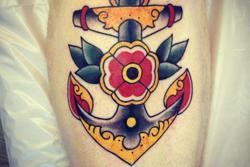 lyon-tatoueur-ancre-old-school