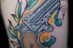 lyon-tatoueur-flingue-old-school