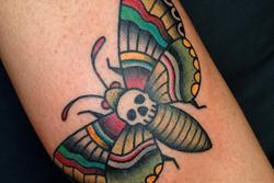 lyon-tatoueur-papillon-old-school